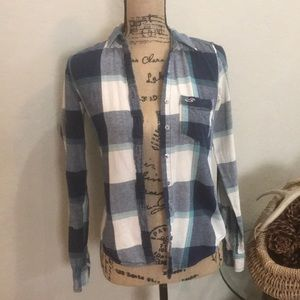 🌻 HOLLISTER WOMEN's LONG SLEEVED FLANNEL SHIRT